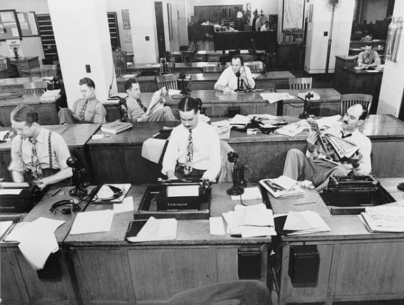reporter1)634px-The_New_York_Times_newsroom_1942